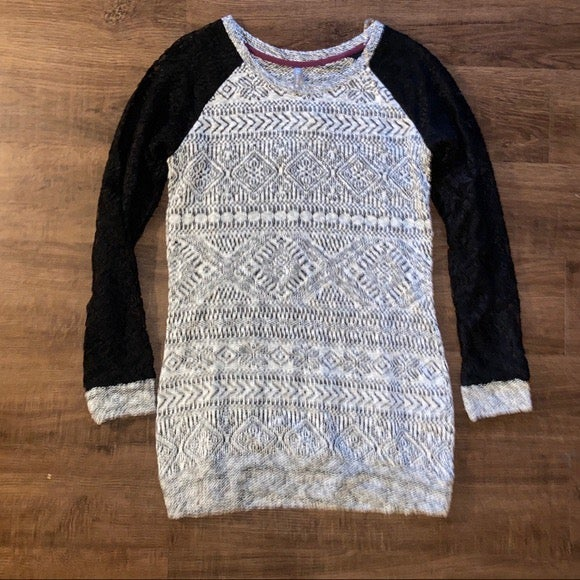 Vanity M Knit Top Lace Long Sleeves