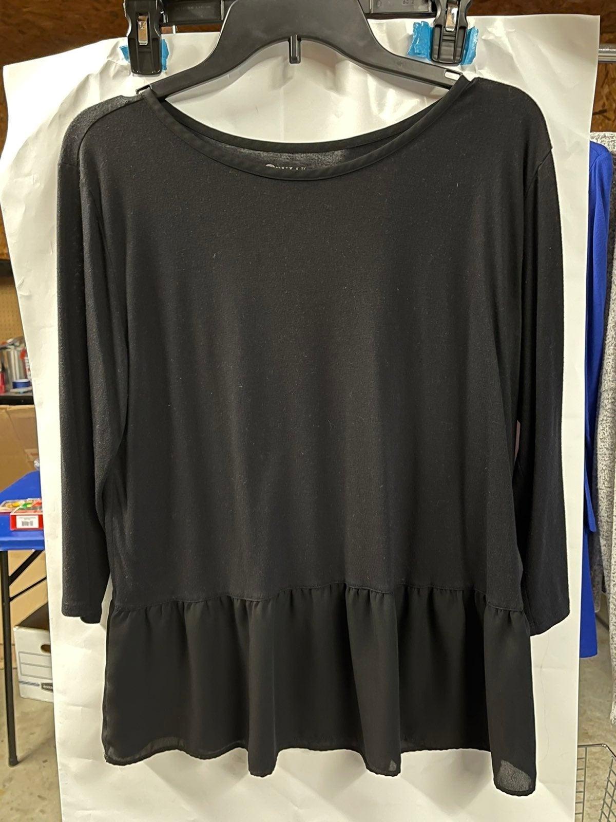 Black 3/4 Sleeve Peplum Top