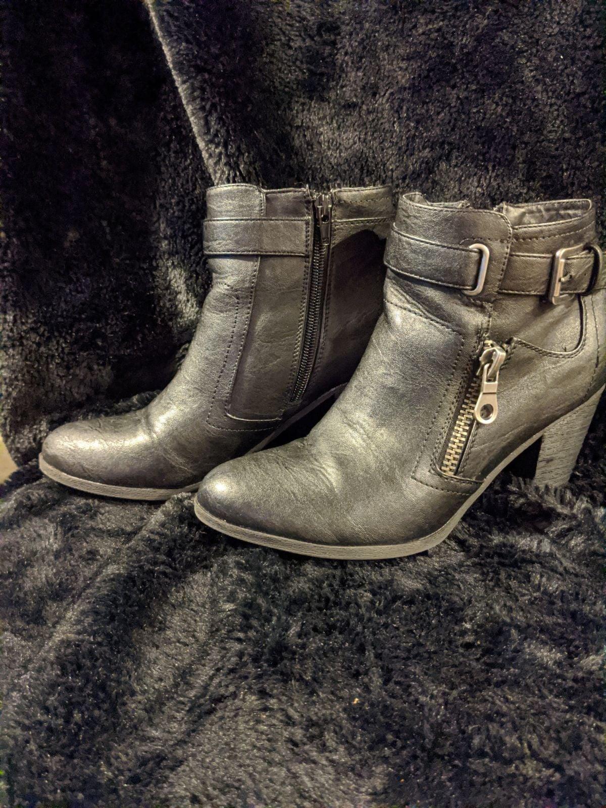 Indigo leather boots