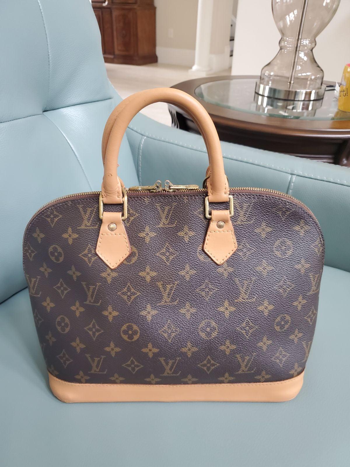 Louis Vuitton Alma PM Monogram leather