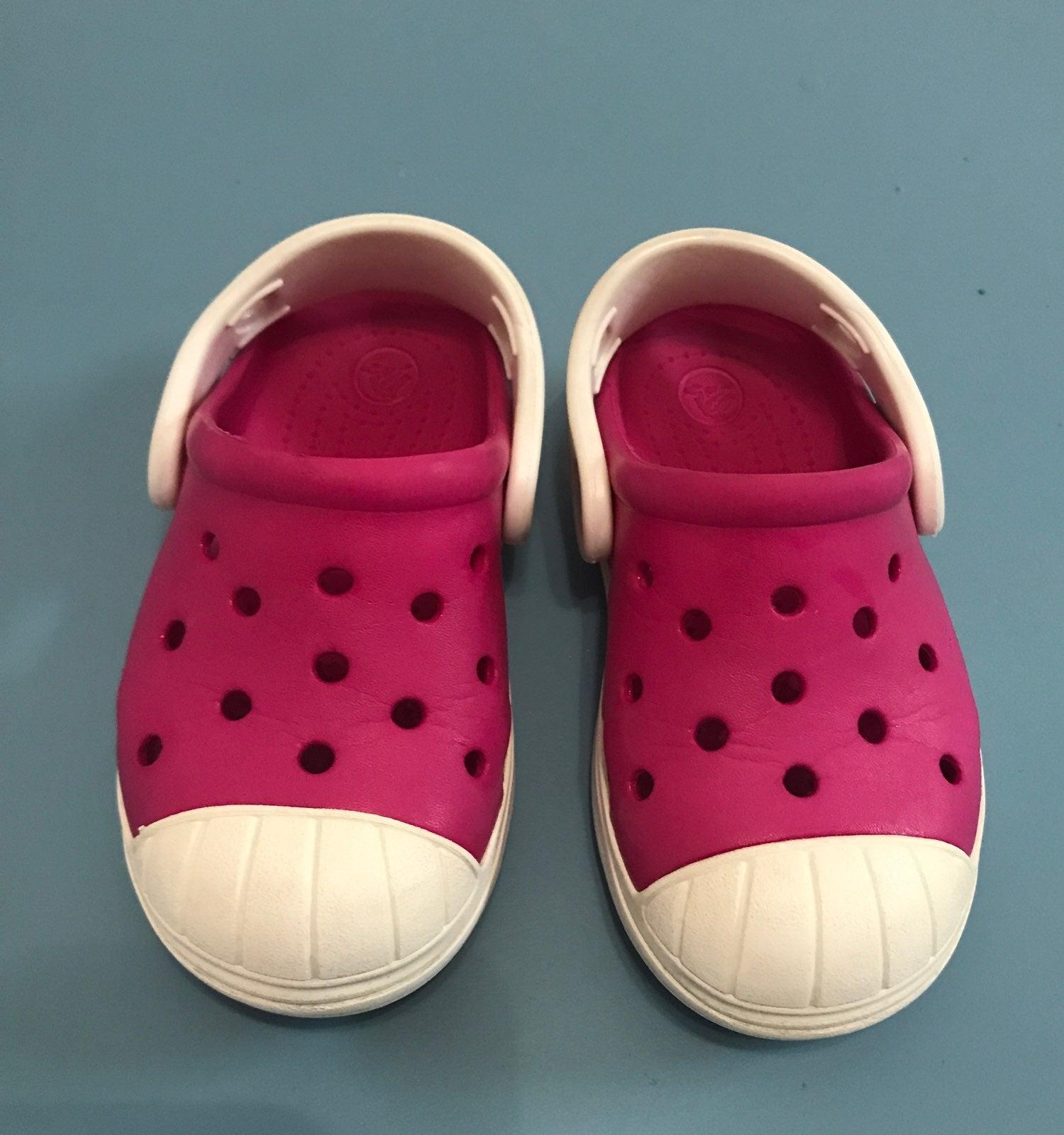 GUC Crocs size 7C