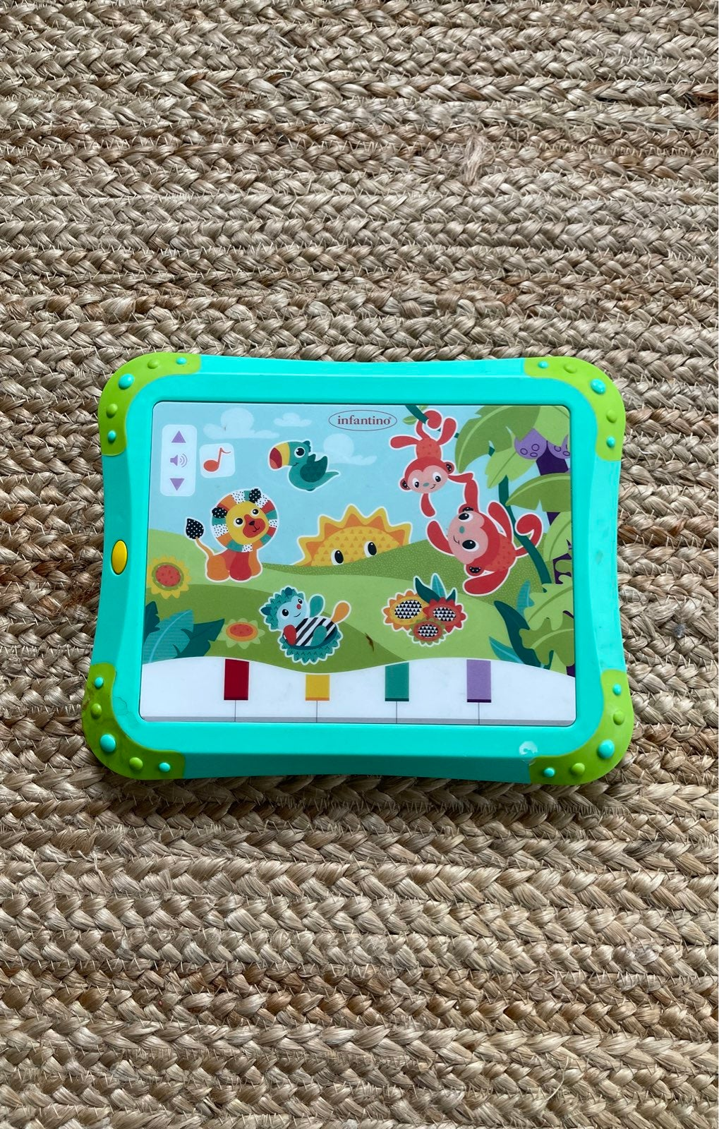 Infantino toy musical ipad