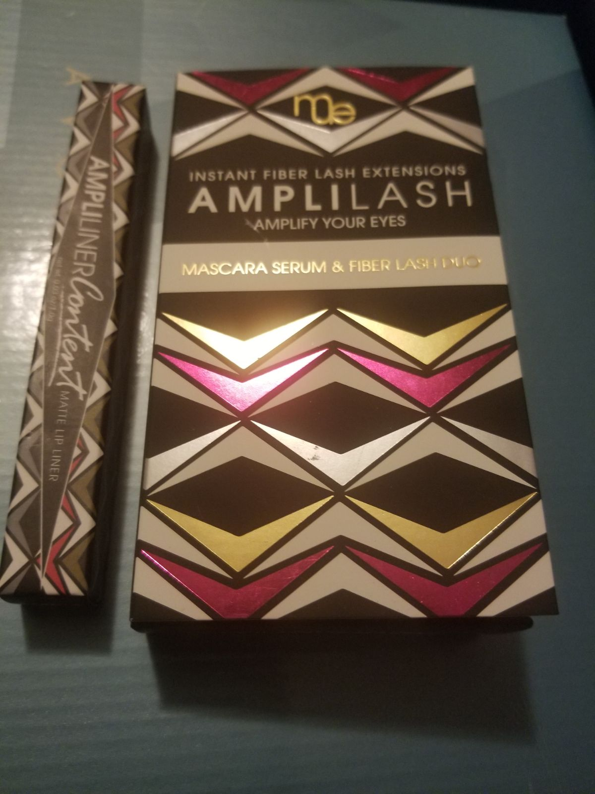 Amplilash mascara 3d and lip liner