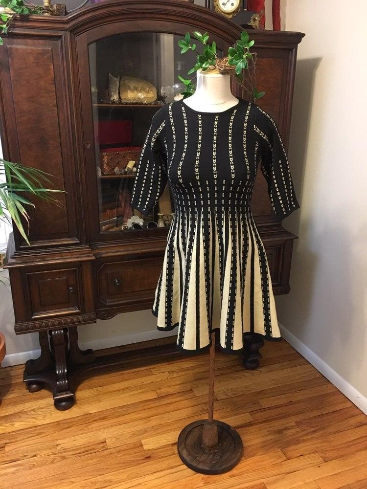 Black & White Olivaceous Winter Dress
