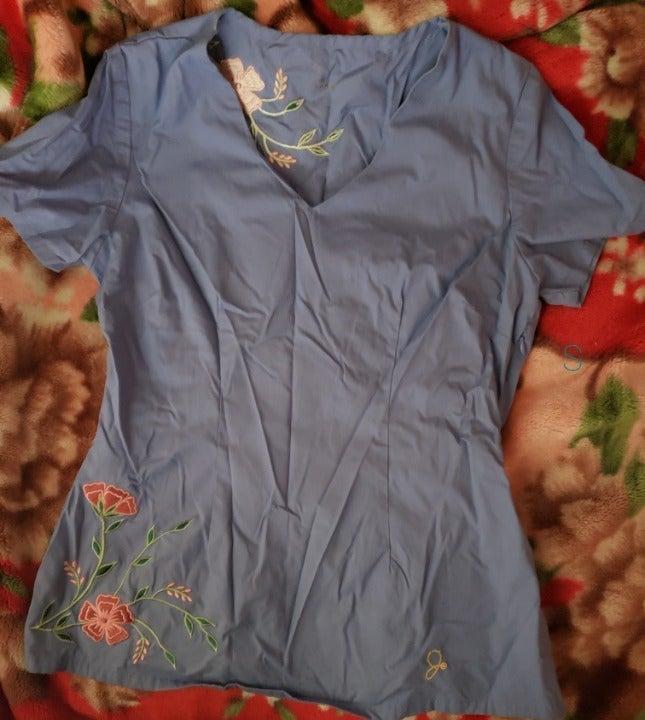 Jaanuu embroidered floral scrub top