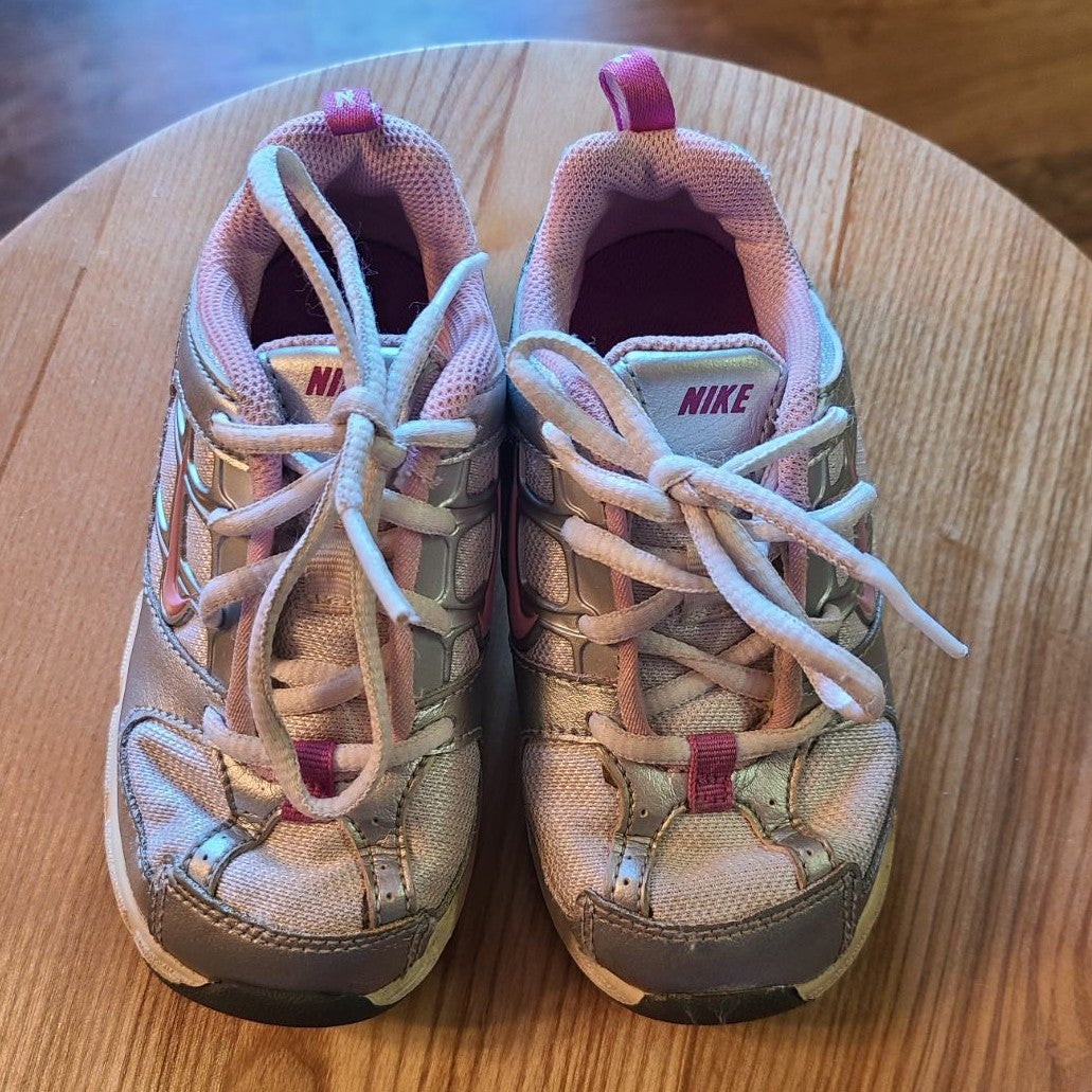 Shoes Nike size US 7 Toddler