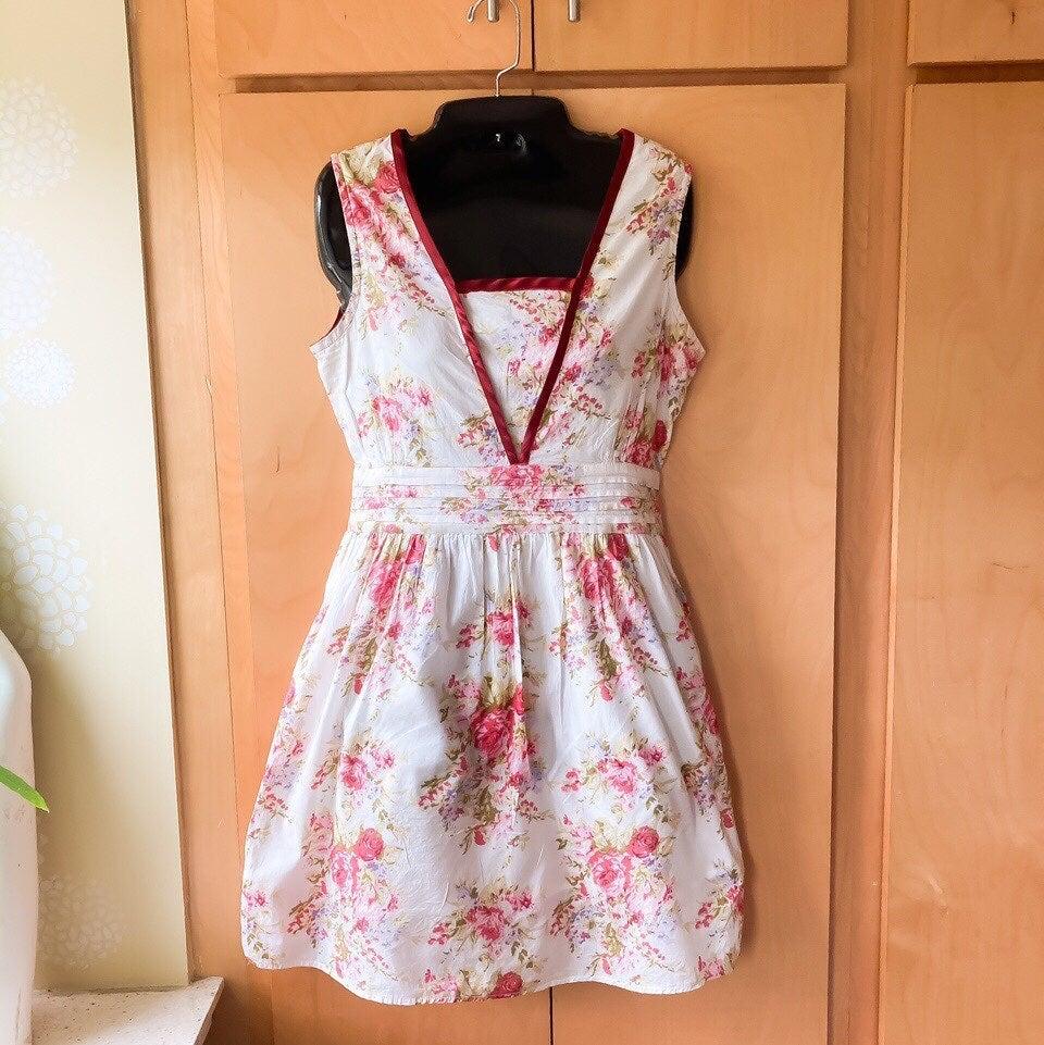Vintage y2k floral dress, size L