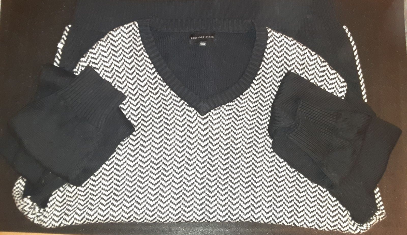 Geoffrey Beene Chevron Sweater