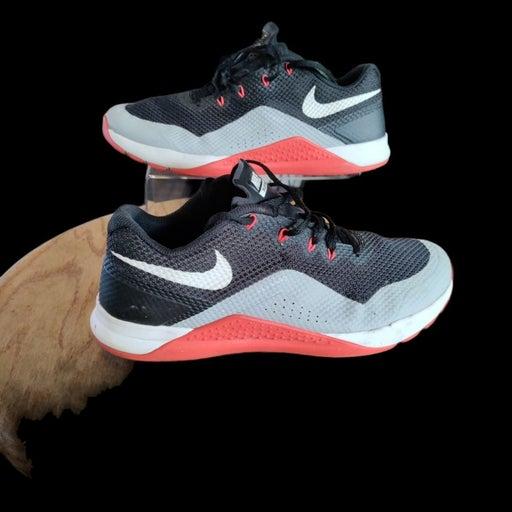 Nike flywire training shoe 10.5