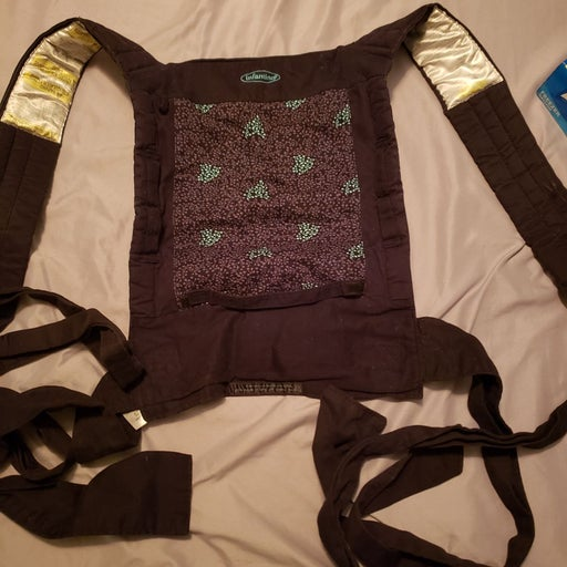Infantino tie baby carrier