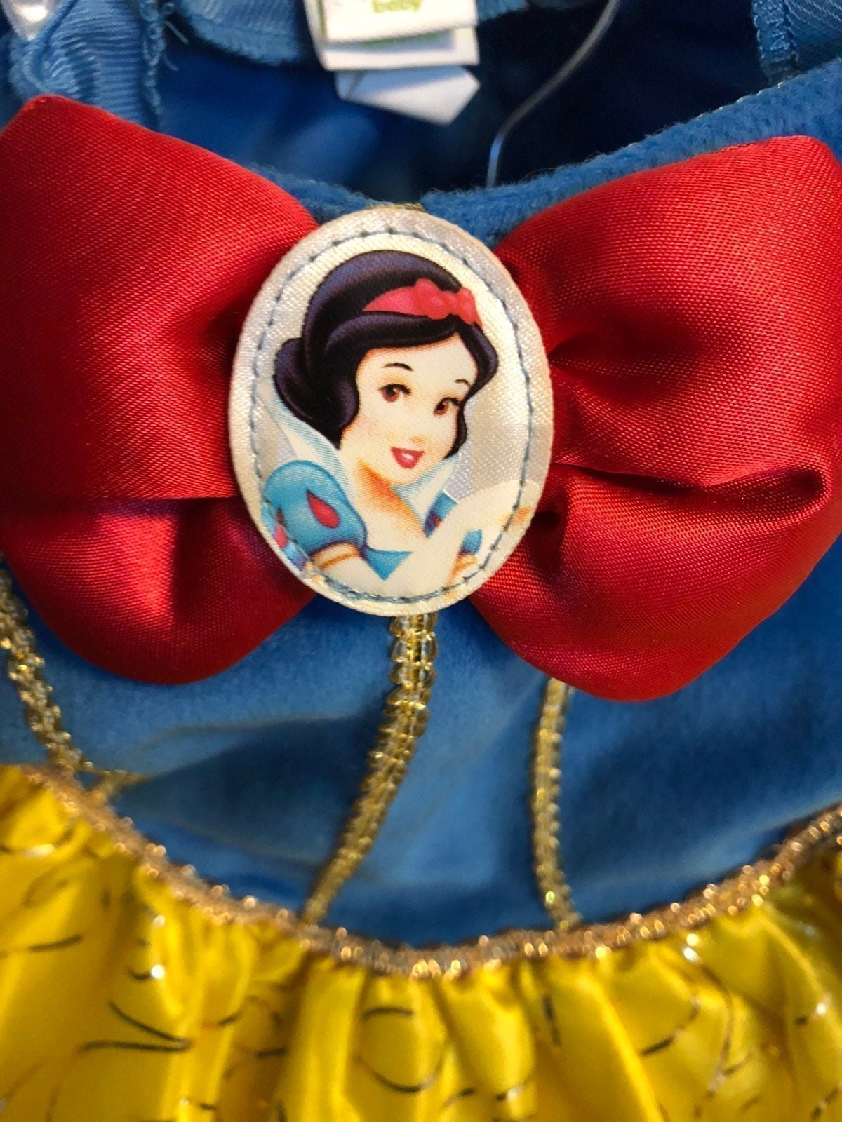 Disney store Snow white dressup/costume