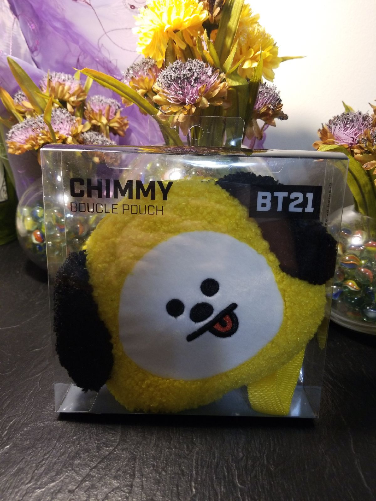Chimmy boucle pouch