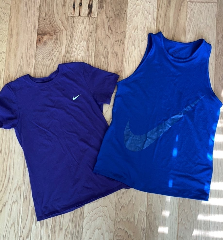 Nike workout tops