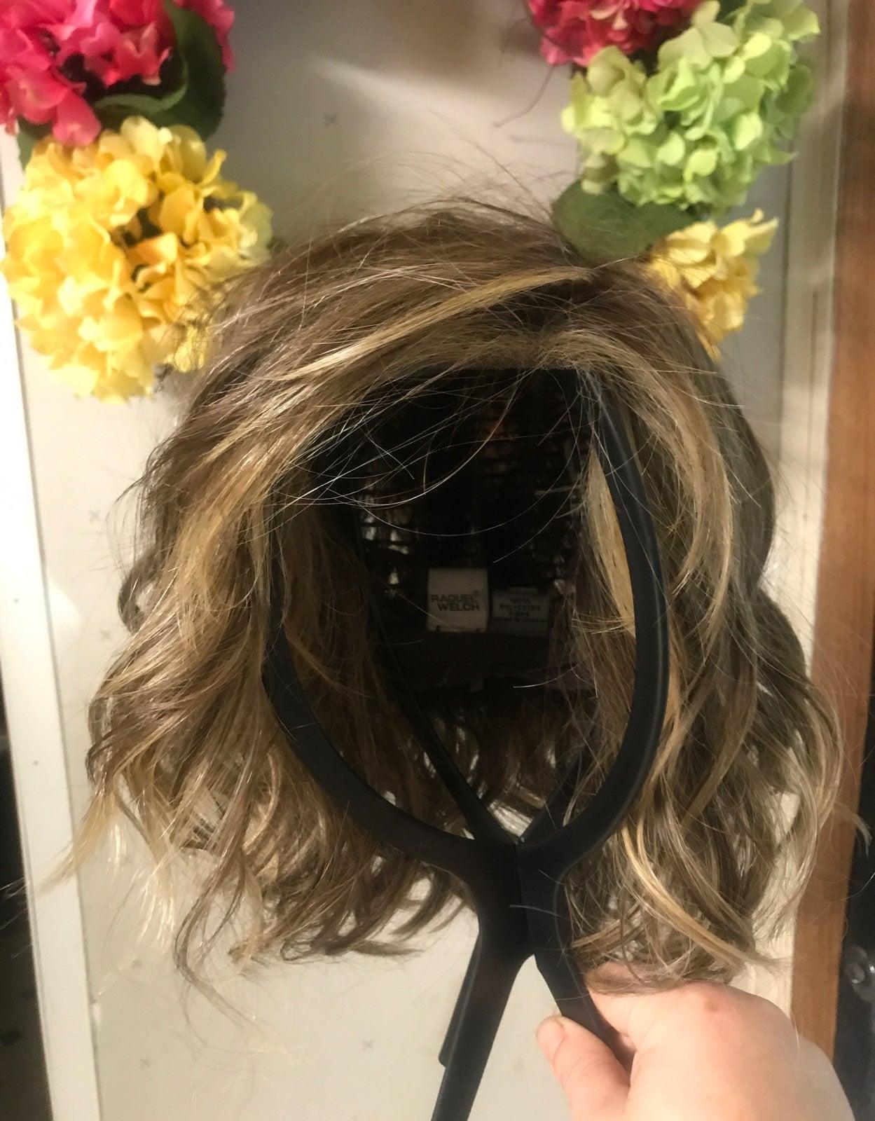Raquel welch wig with box