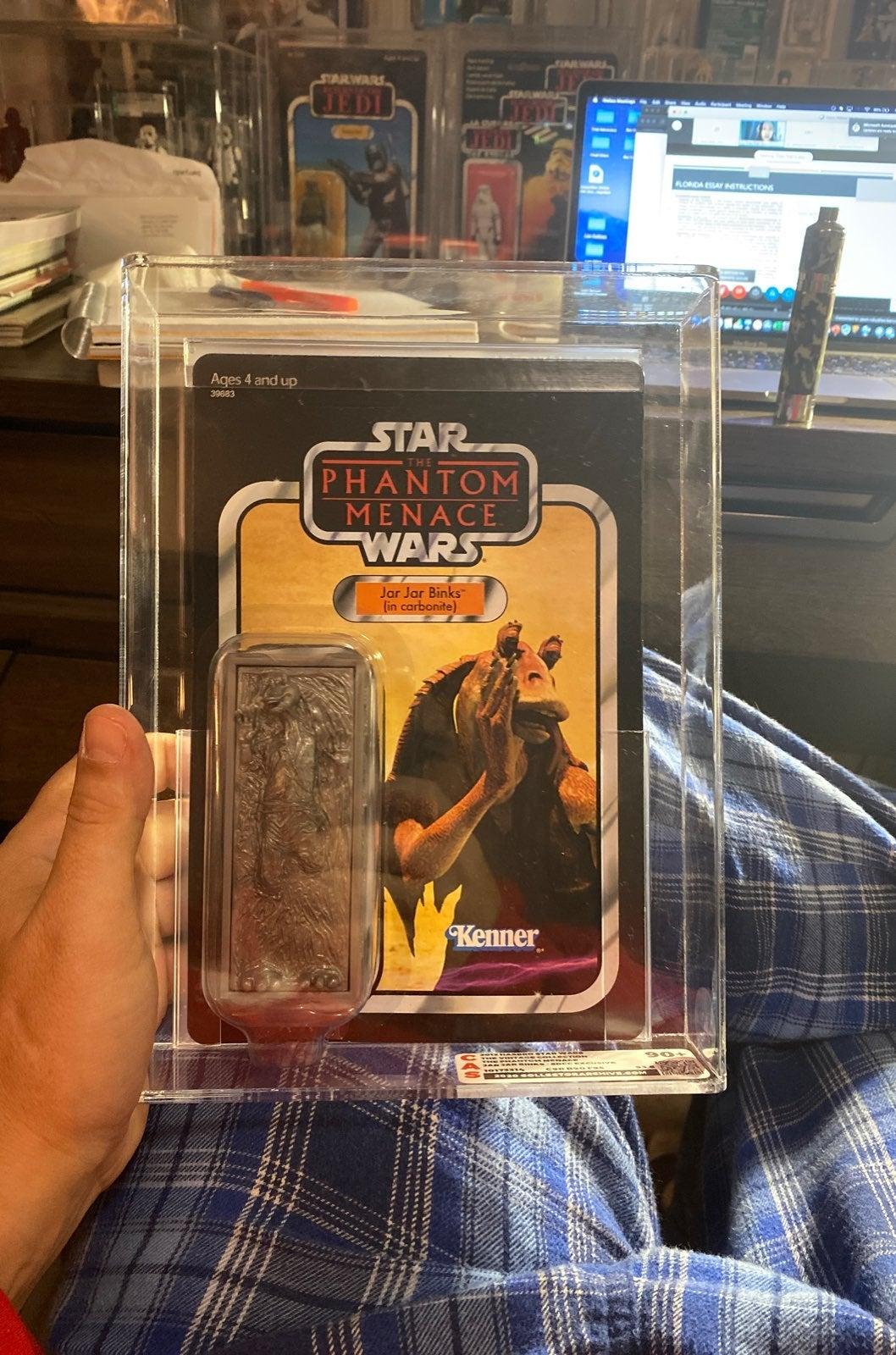 Star Wars Jar Jar in carbonite