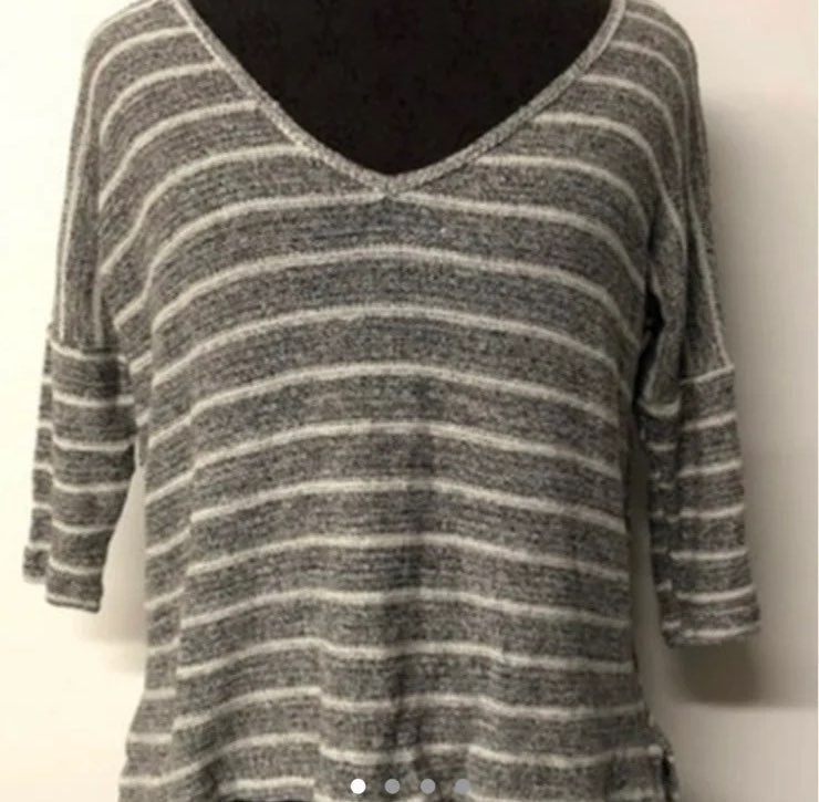 BEYOND YOGA gray striped sweater