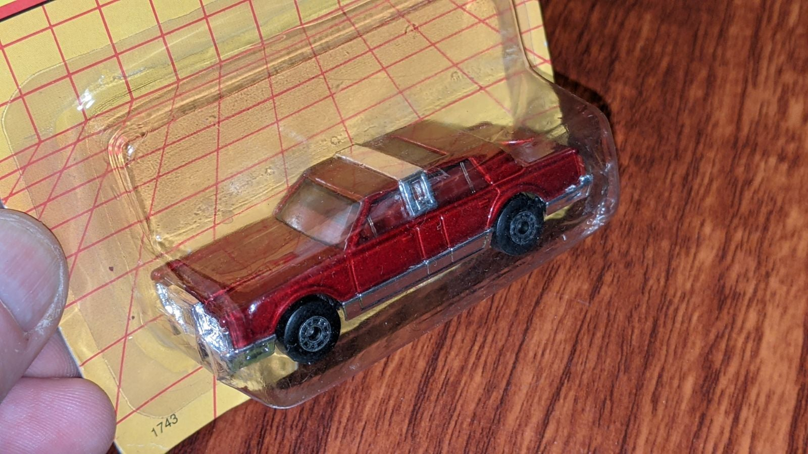 Matchbox carded MB43 Lincoln Town car