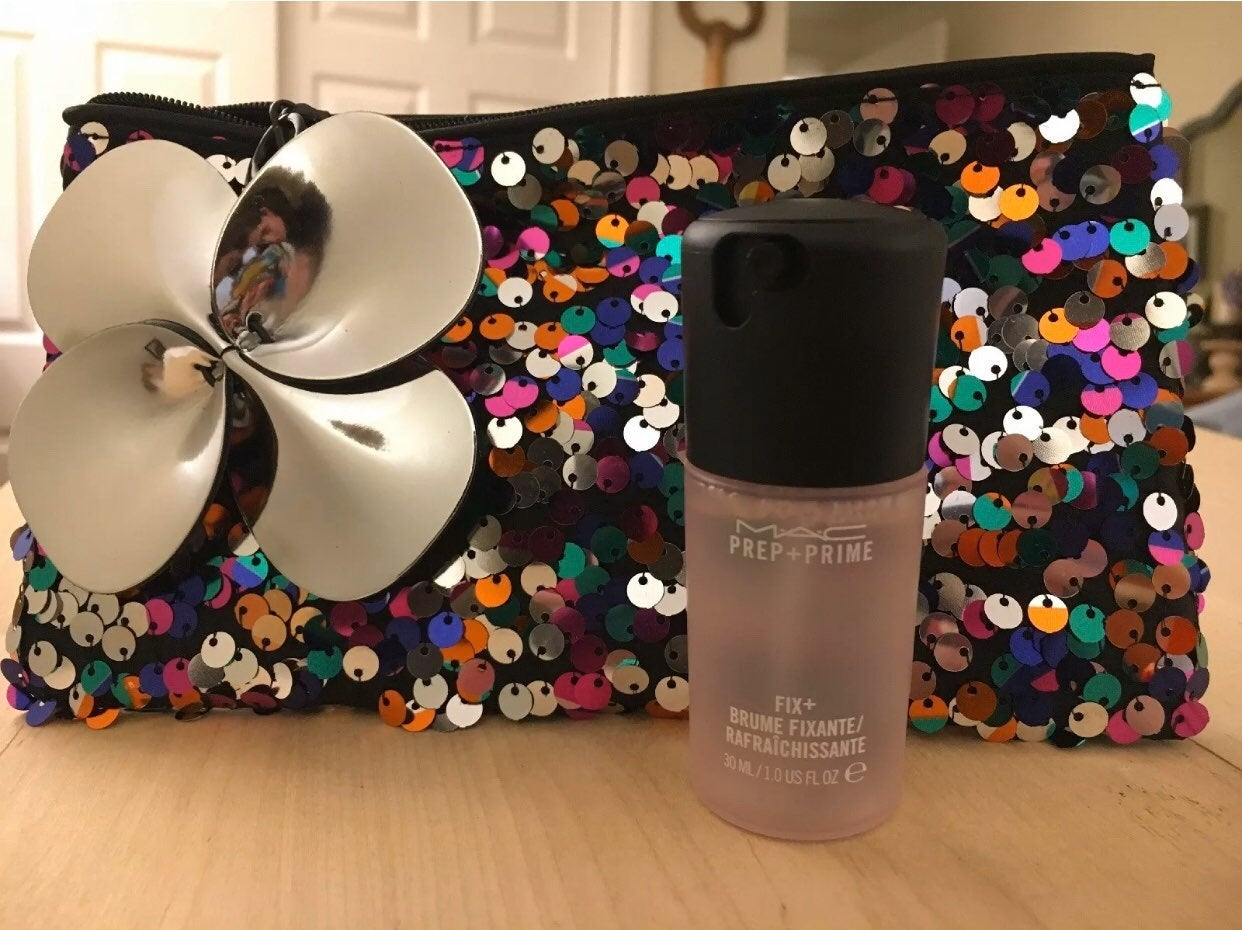 Mac Fix + Plus And Makeup Bag