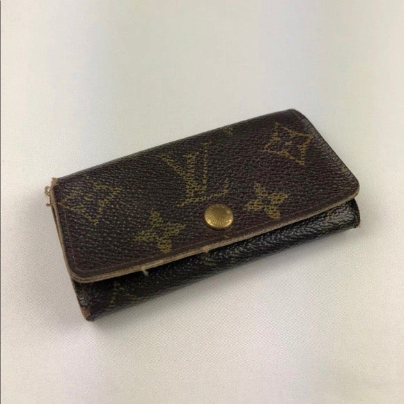 Authentic Vintage Louis Vuitton Key Hold