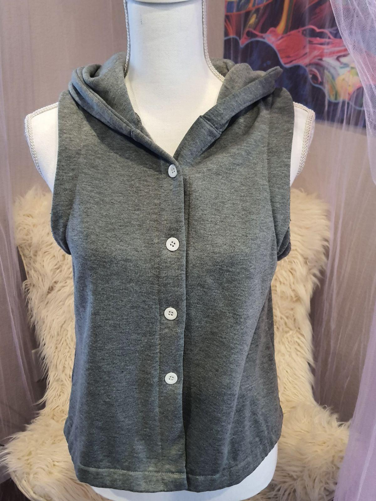Junior's Women's Grey Button Up Vest
