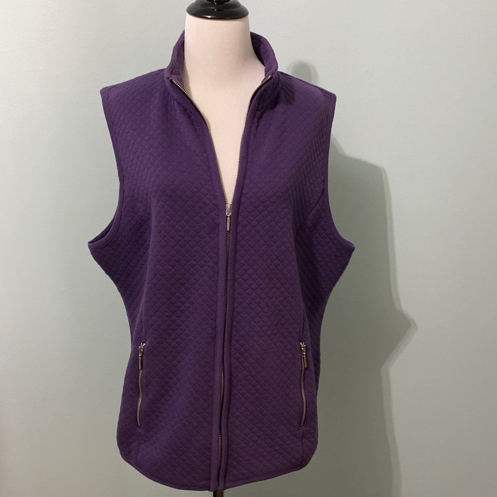 Karen Scott sport purple vest