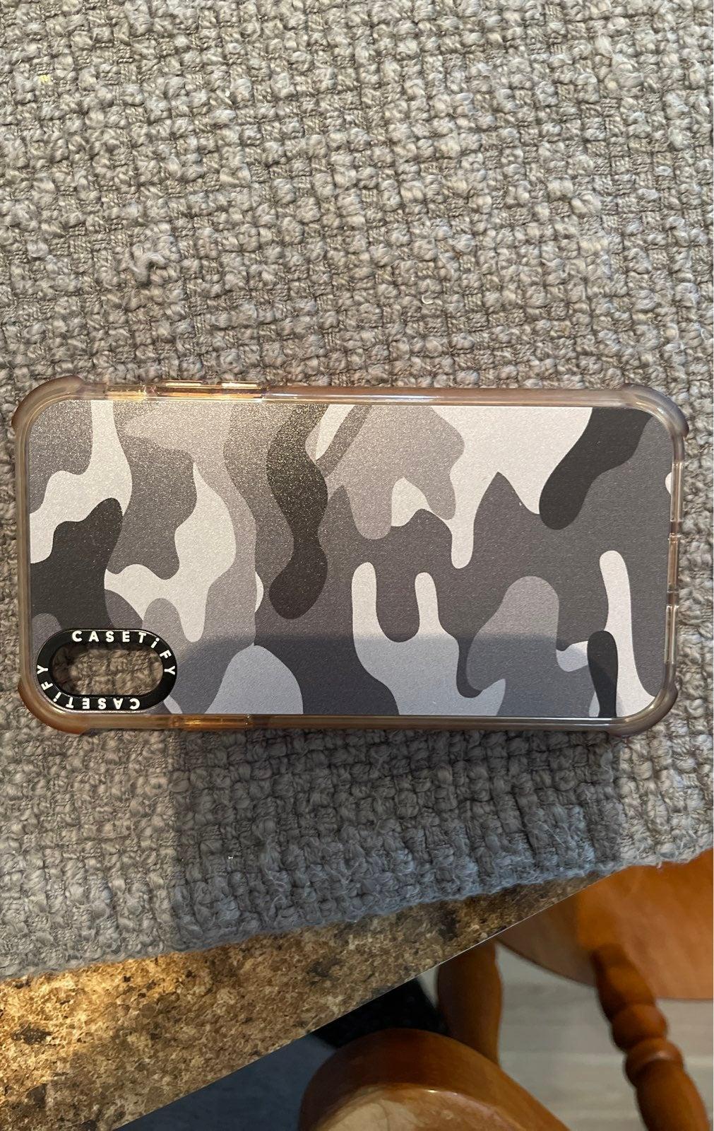 Iphone xr casetify case camo grey