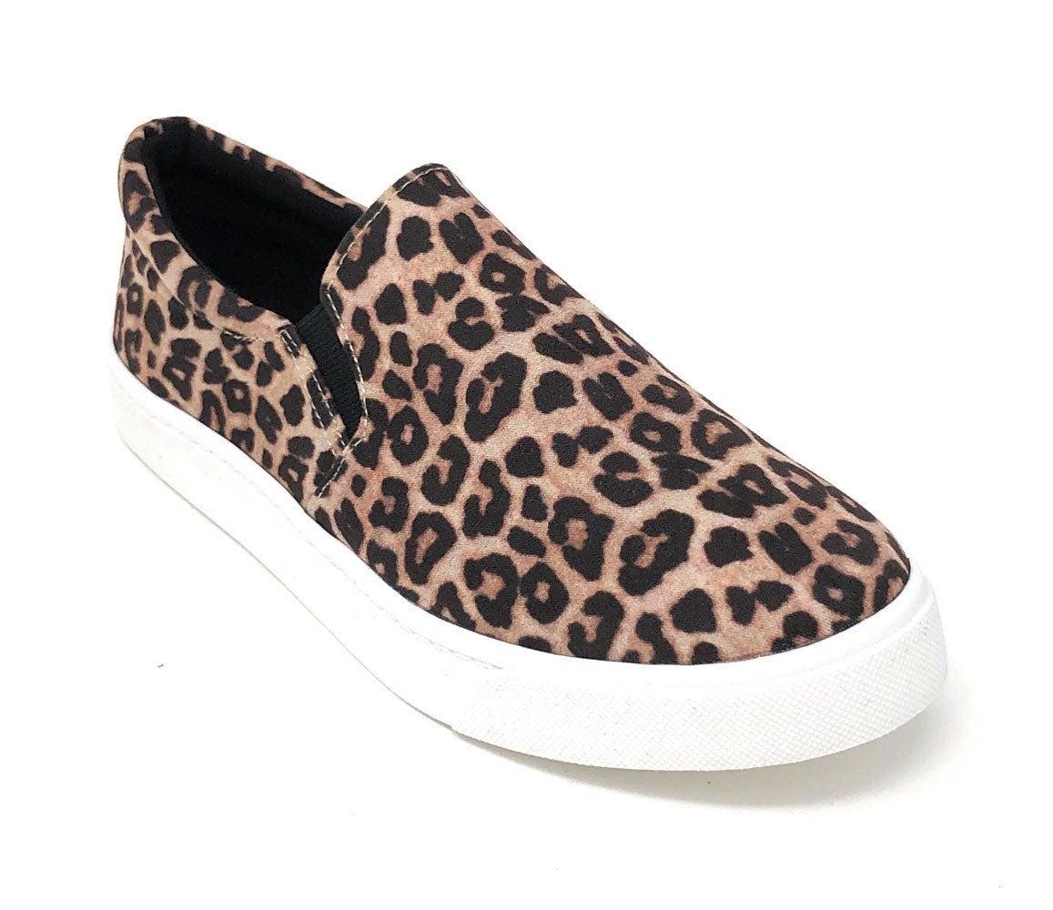 Soda Cheetah Slip On Sneaker Size 9