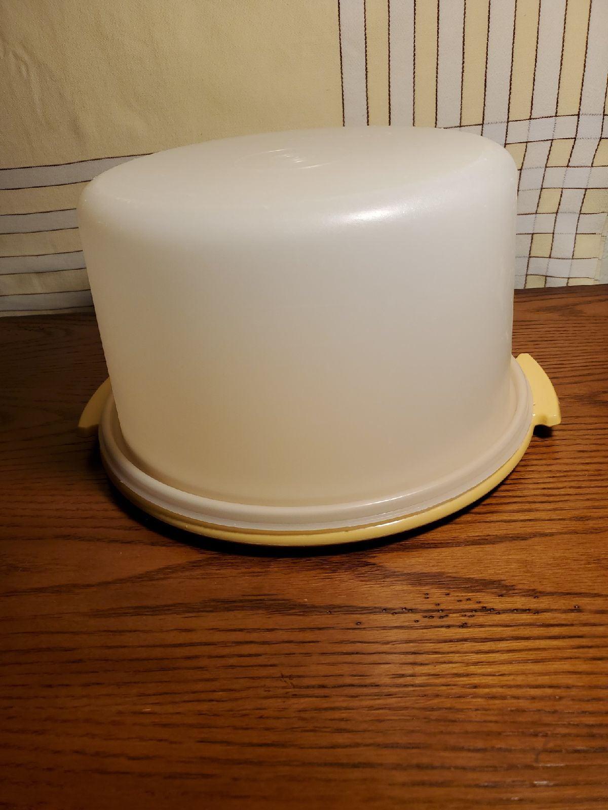 "Vintage 10"" TUPPERWARE Cake Taker"