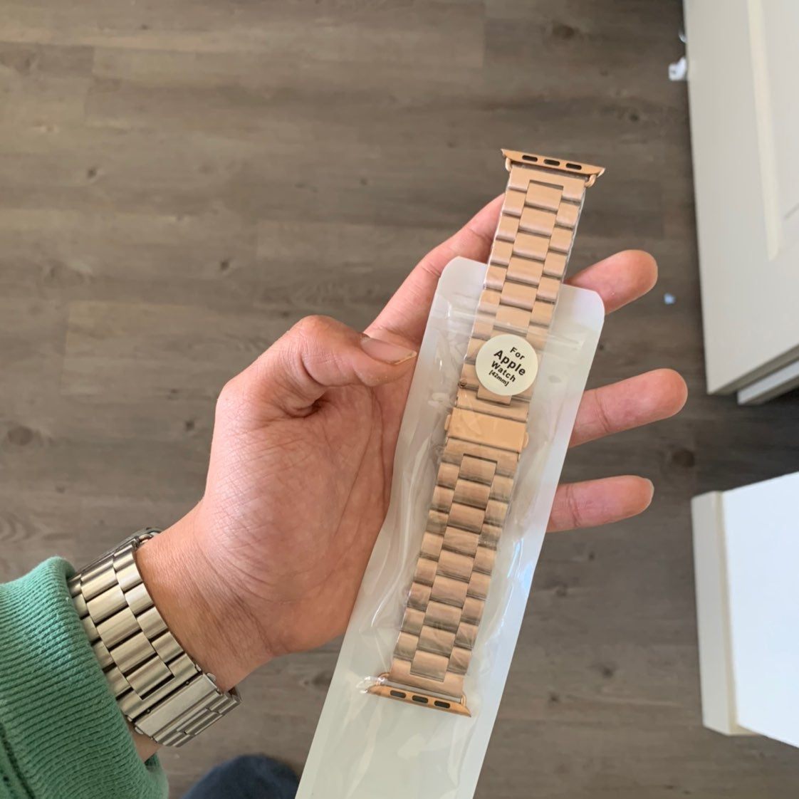 Apple watch band - rose gold