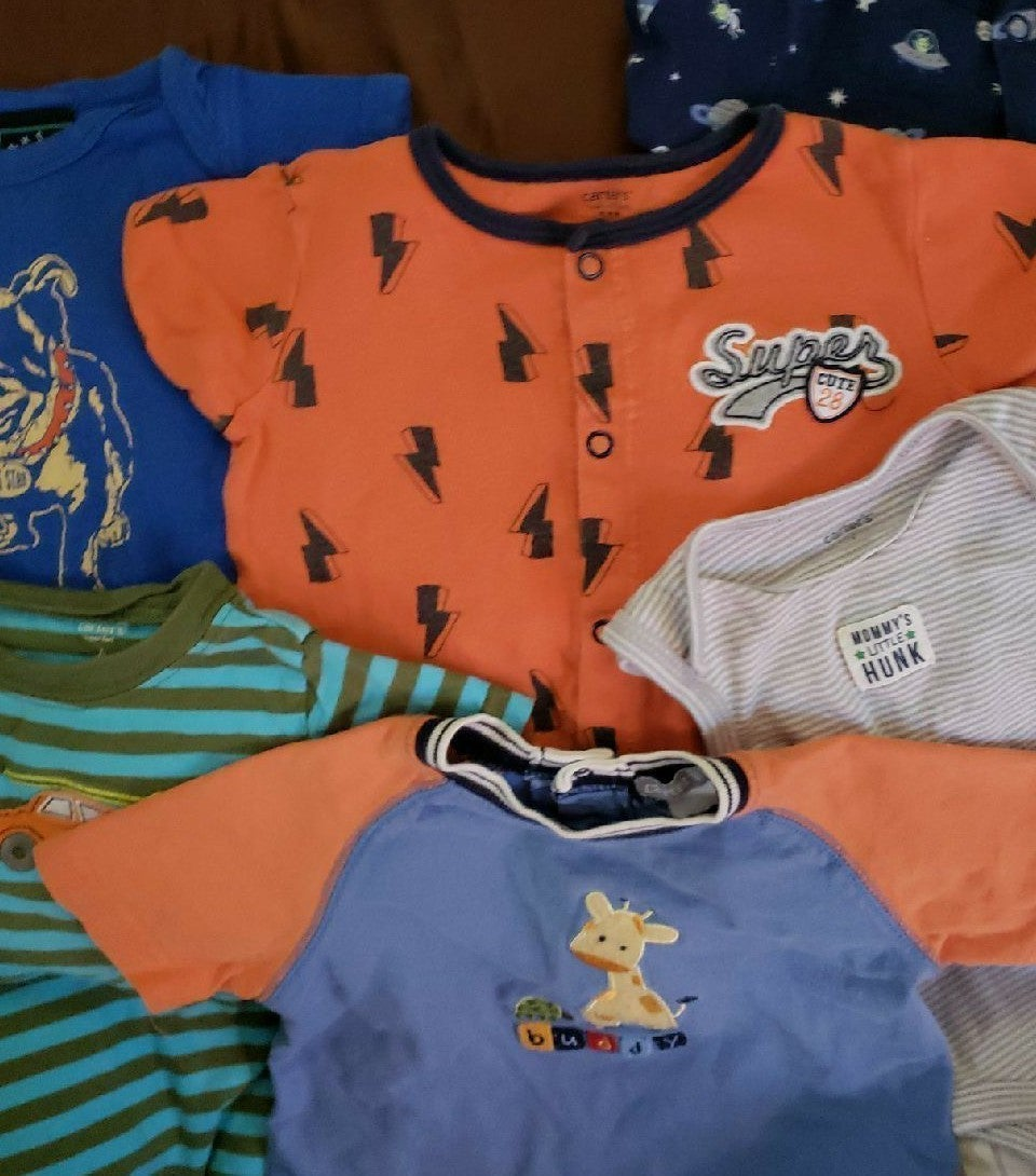 6 piece lot of infant boy clothes