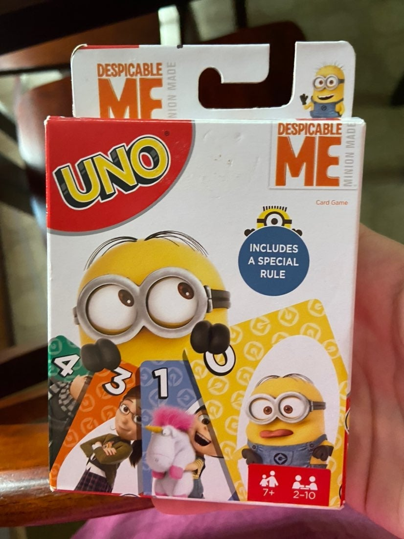 UNO Despicable Me! Free shipping :)