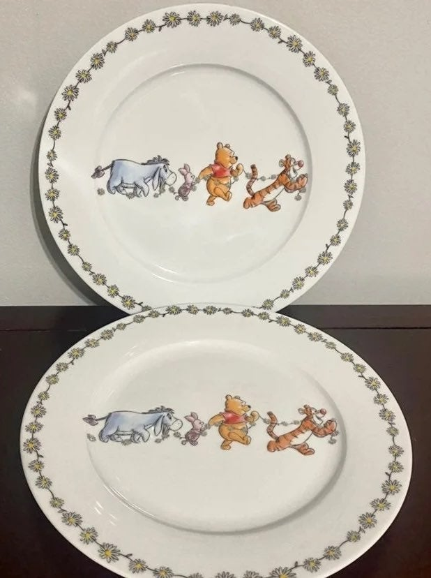 Winnie The Pooh Daisy Chain Plates (2)