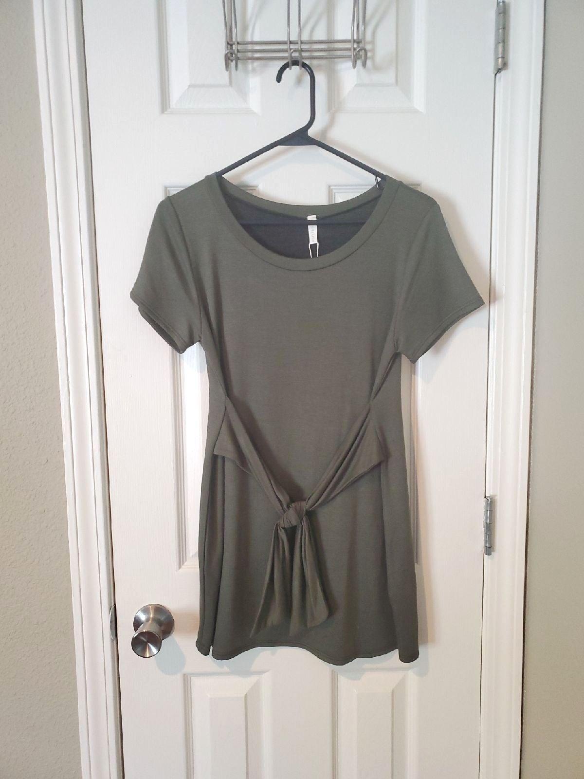 Pinkblush Small Green Short Sleeve Top