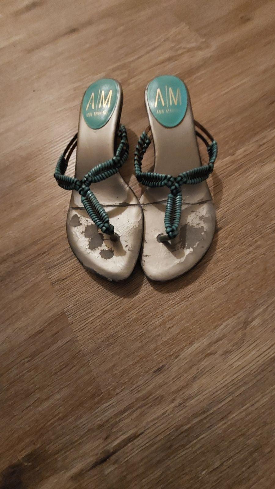 Blue heeled flip flops