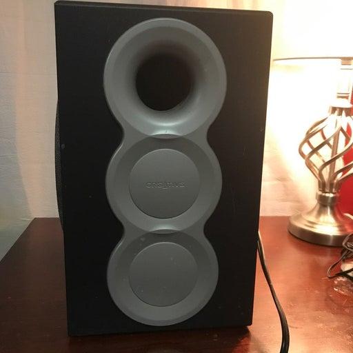 CREATIVE Labs Medium sized speaker