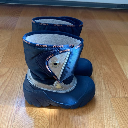Crocs Winter Boots boys size 3-4T