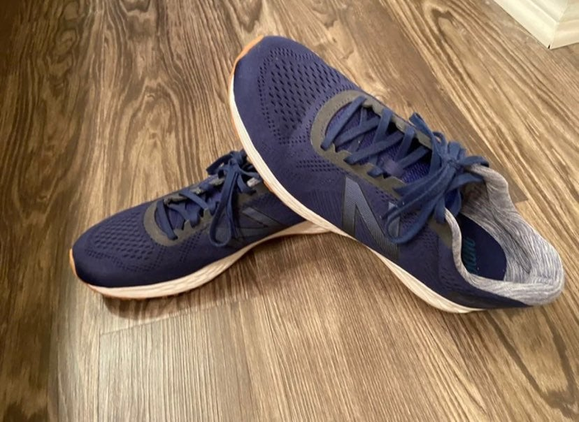 Men's New balance shoes size 11