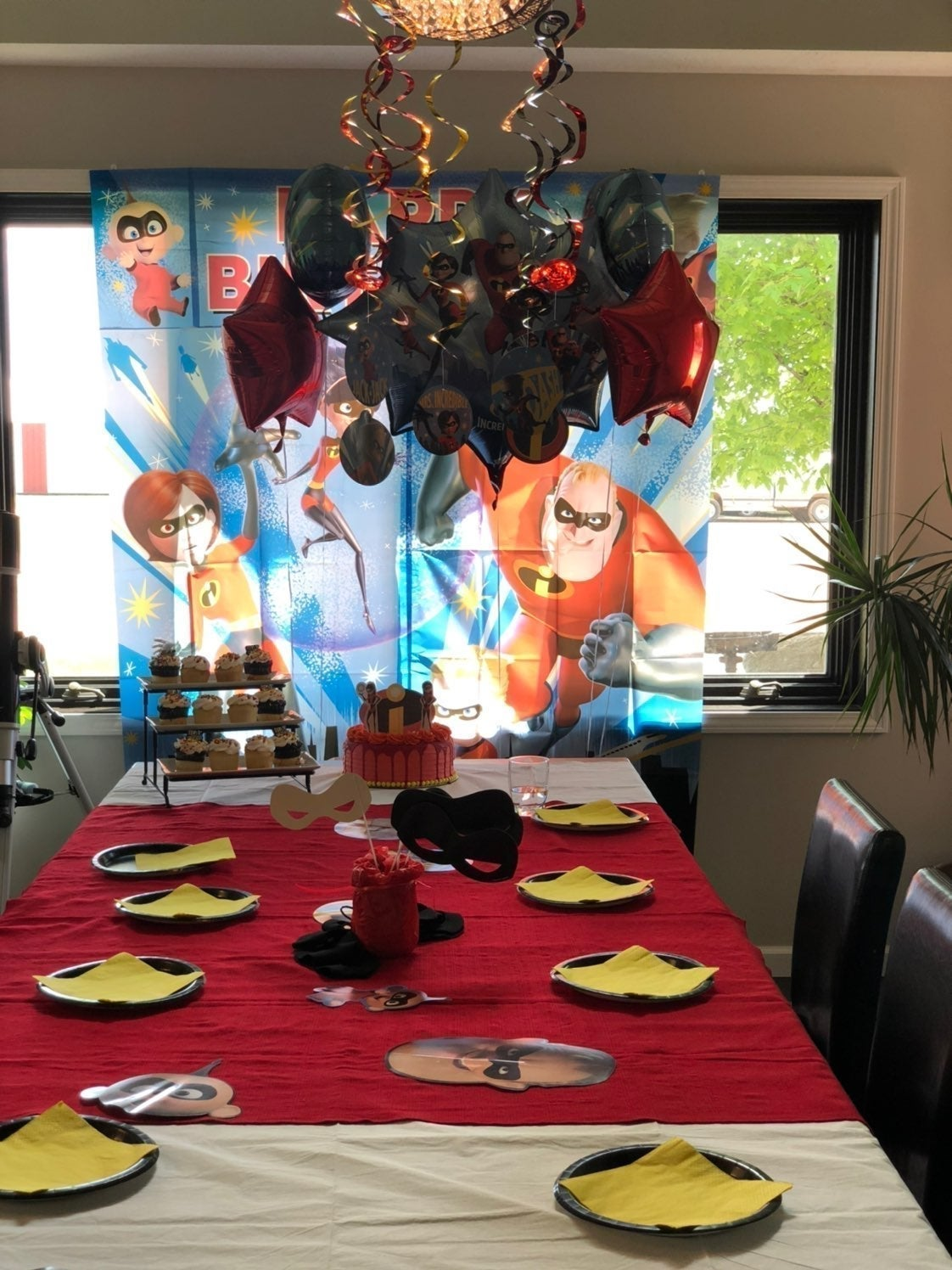 """""""The incredibles"""" party decor pack"""