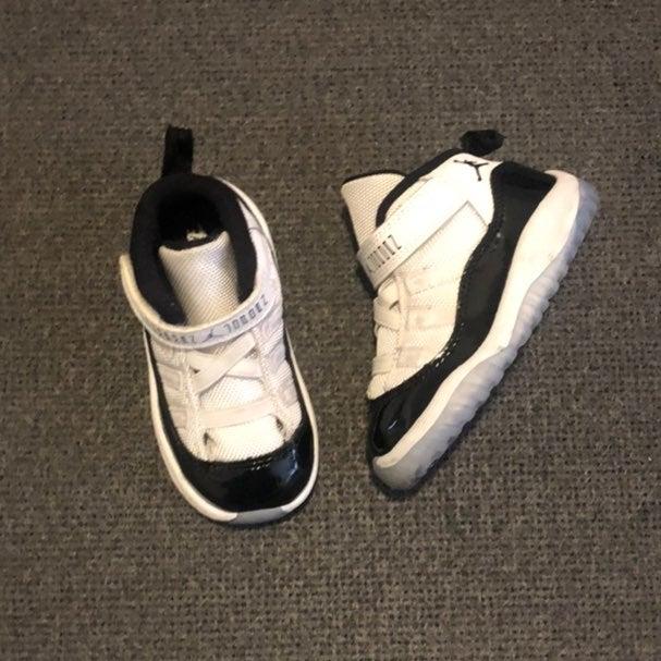 Jordan 11 Concord Velcro Toddler sz 6c