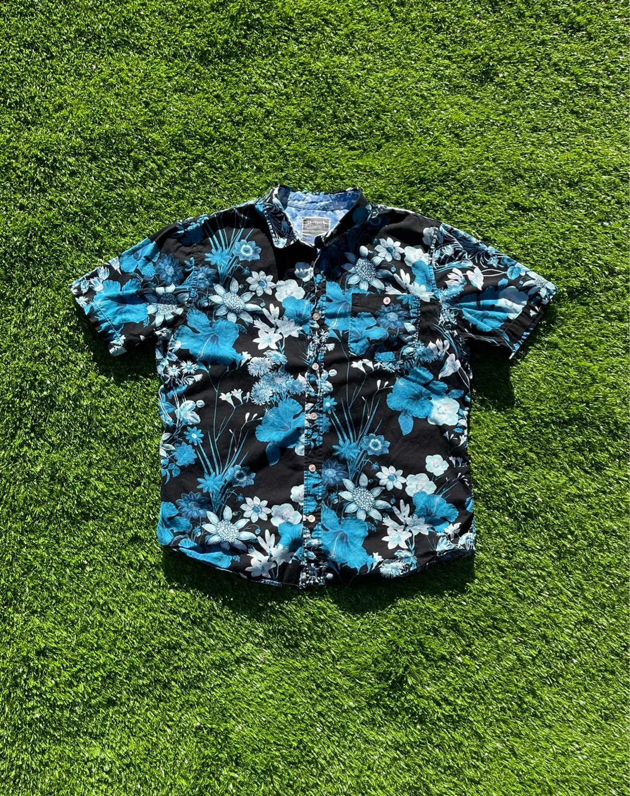 Modern Amusement Floral Button-up