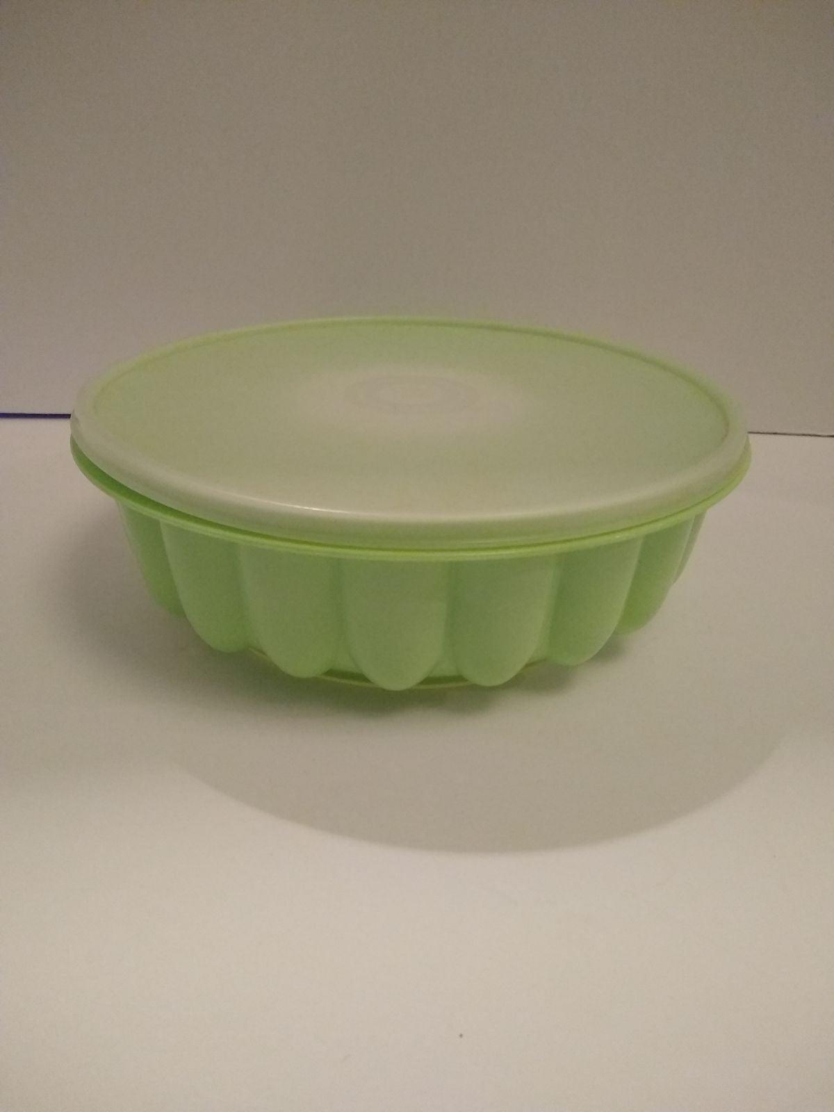 Tupperware Jello Mold Ring Mint Green Vi