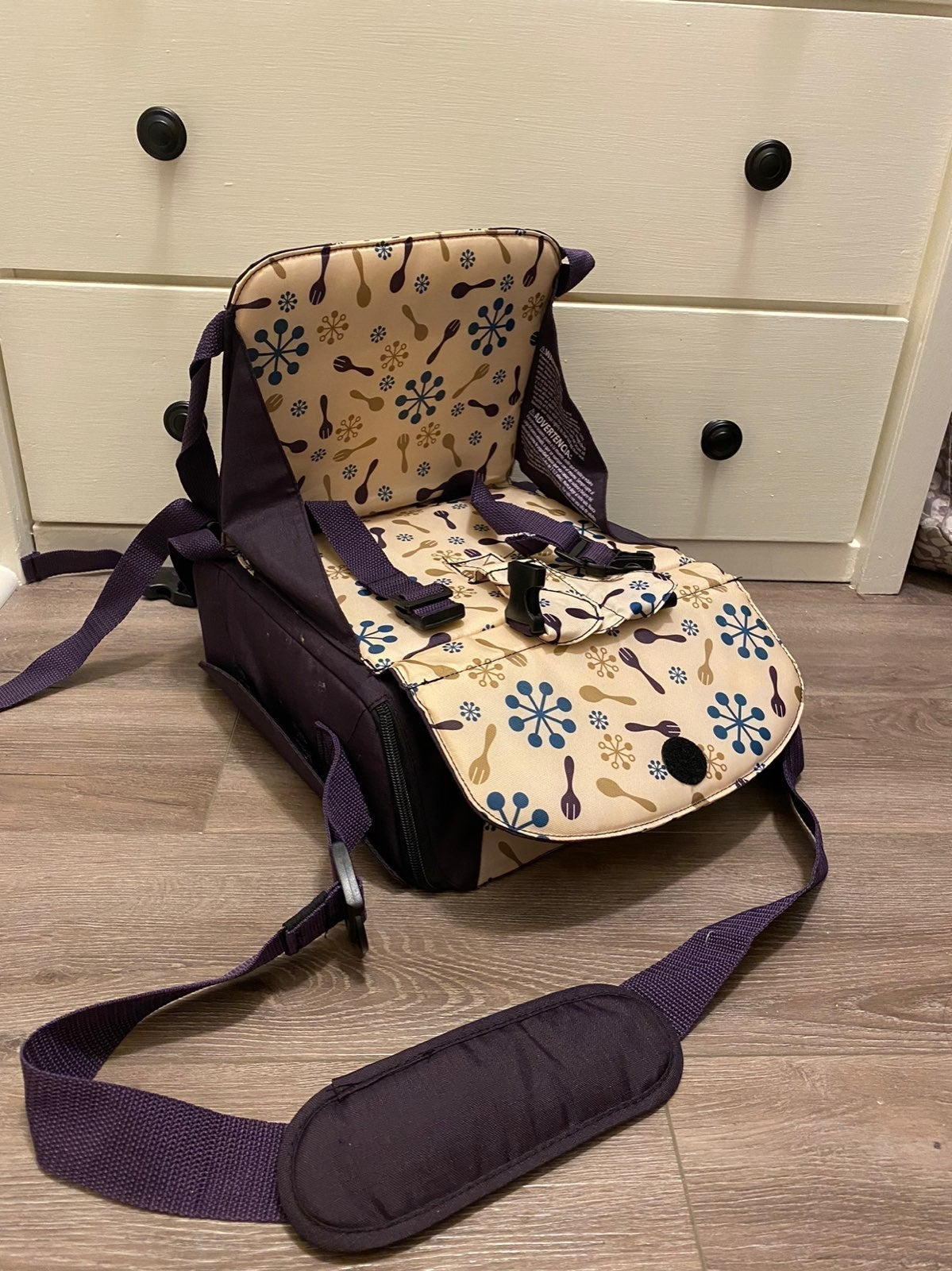 Travel booster chair