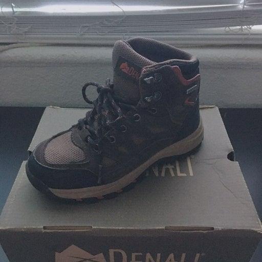 Kids Hiking Boots