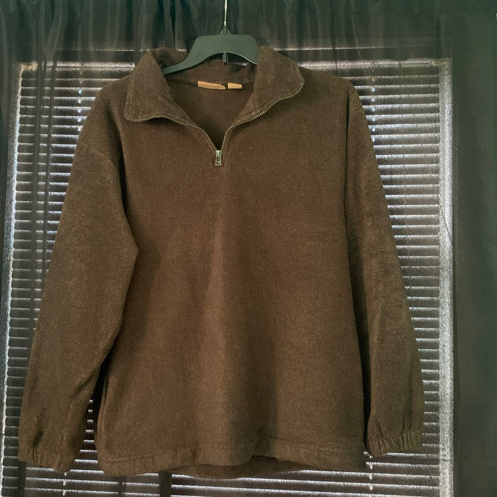 Northwest Territory Pullover, Size M