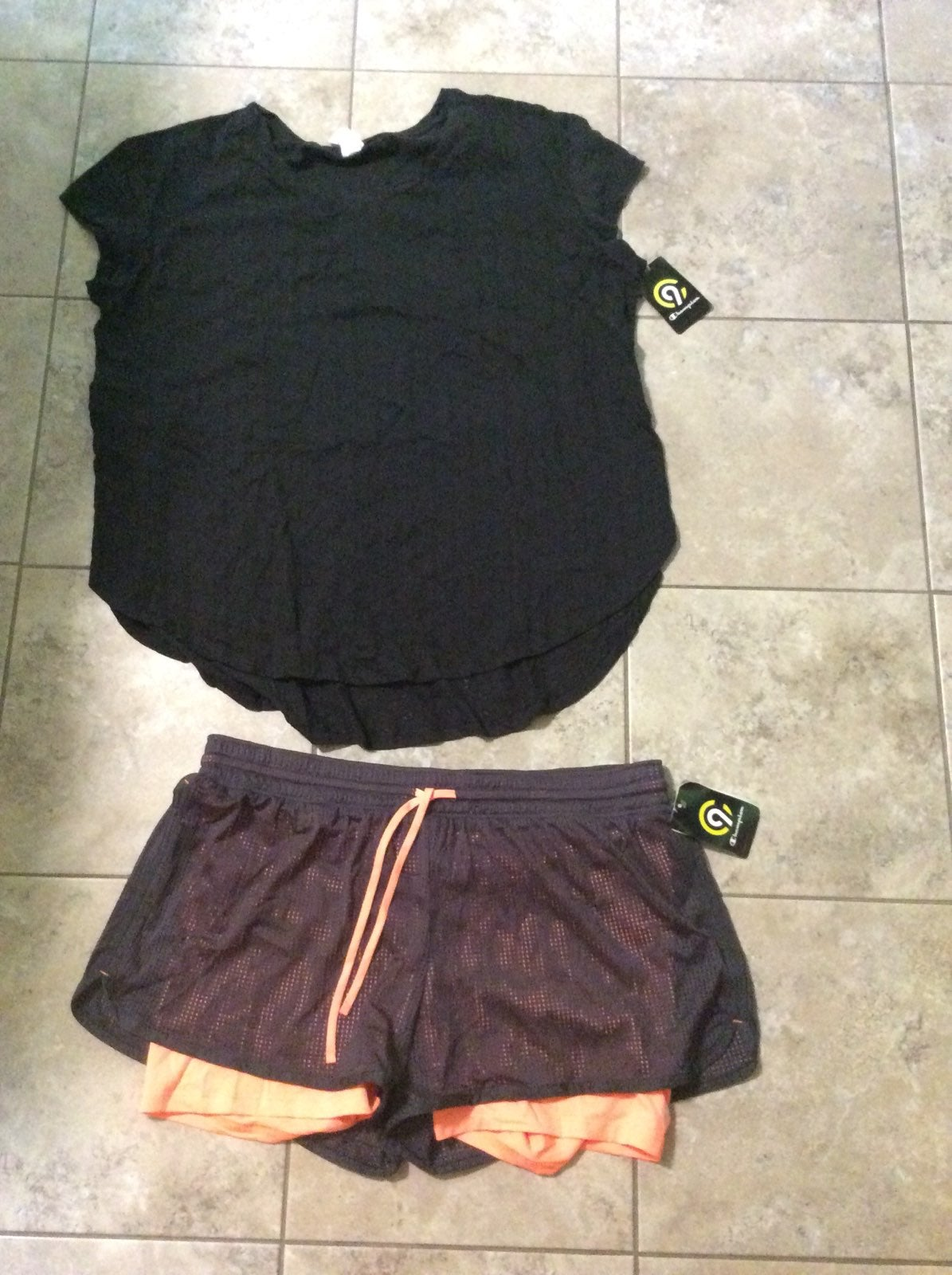 Womens bRand new  xl athletic outfit