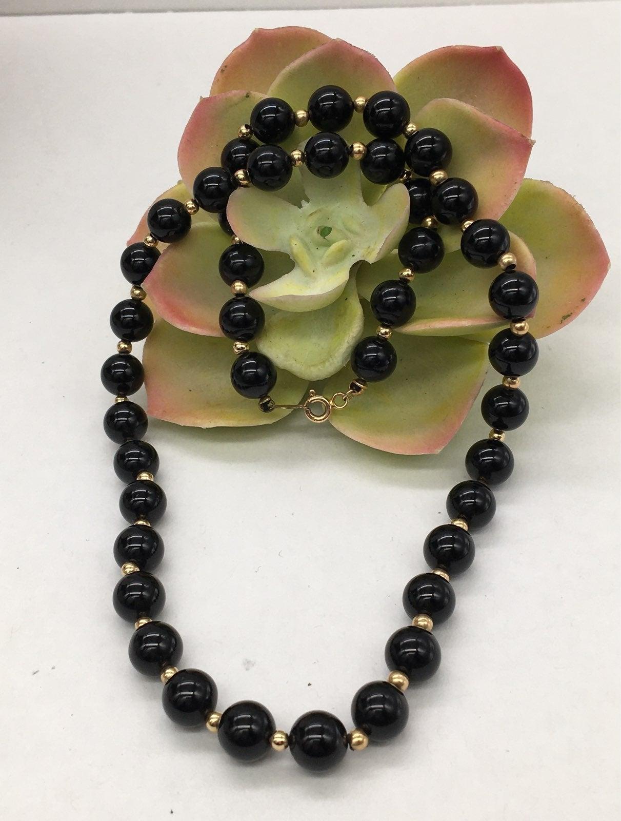 Vintage 14k gold black onyx necklace
