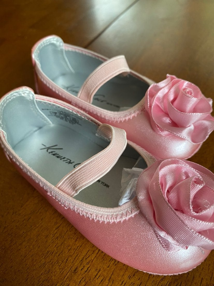 Kenneth Cole Baby Shoes size 4