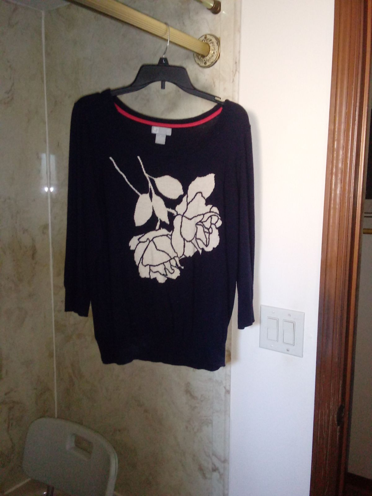 XL Blue sweater with embroidered rose