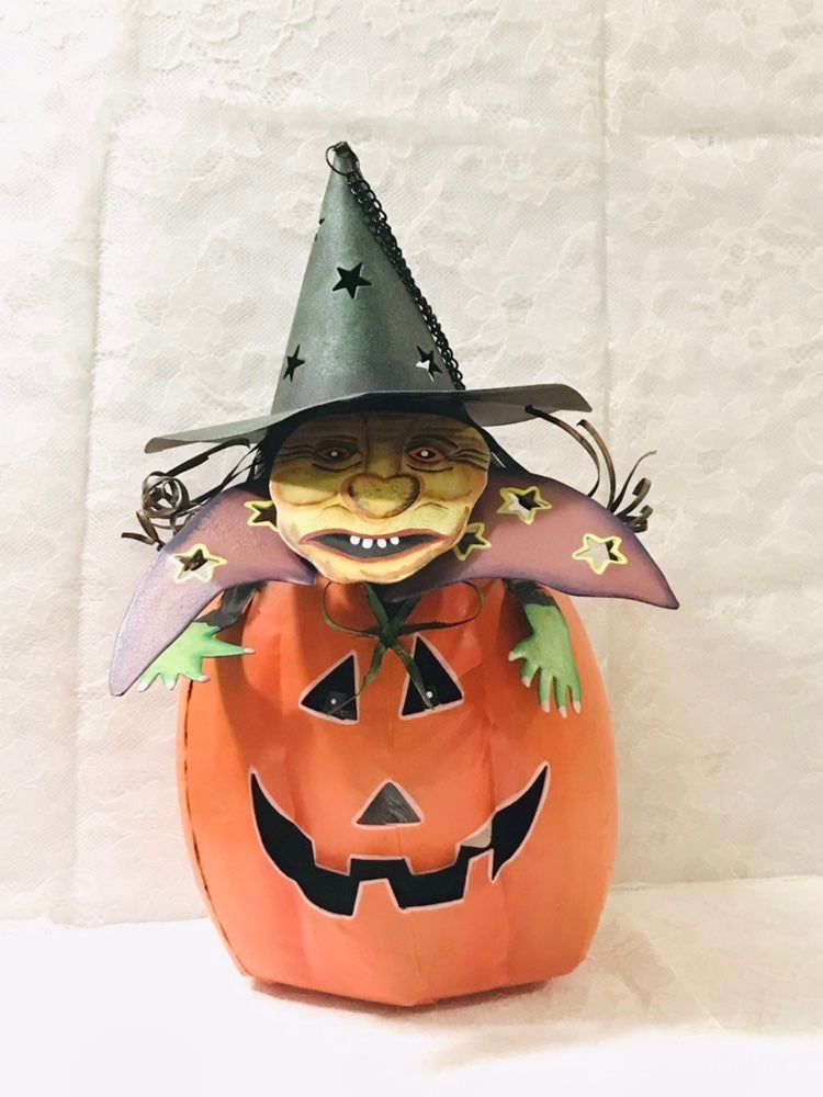 Vintage hanging halloween pumpkin