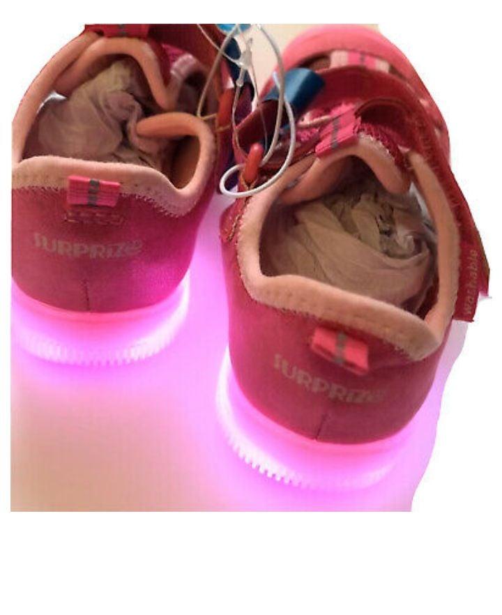 "NWT ""Suprize"" by striderite pink light u"